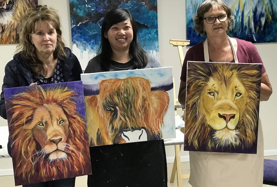 art workshop, painting, ox, lion